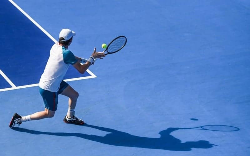 What are the basic rules in tennis?